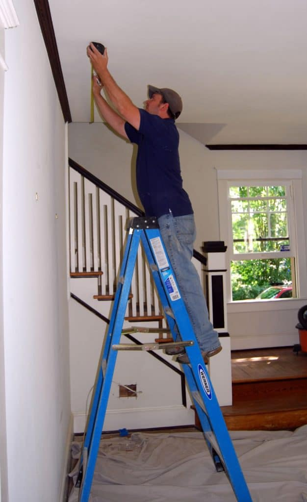 Electrician recessed lighting installation